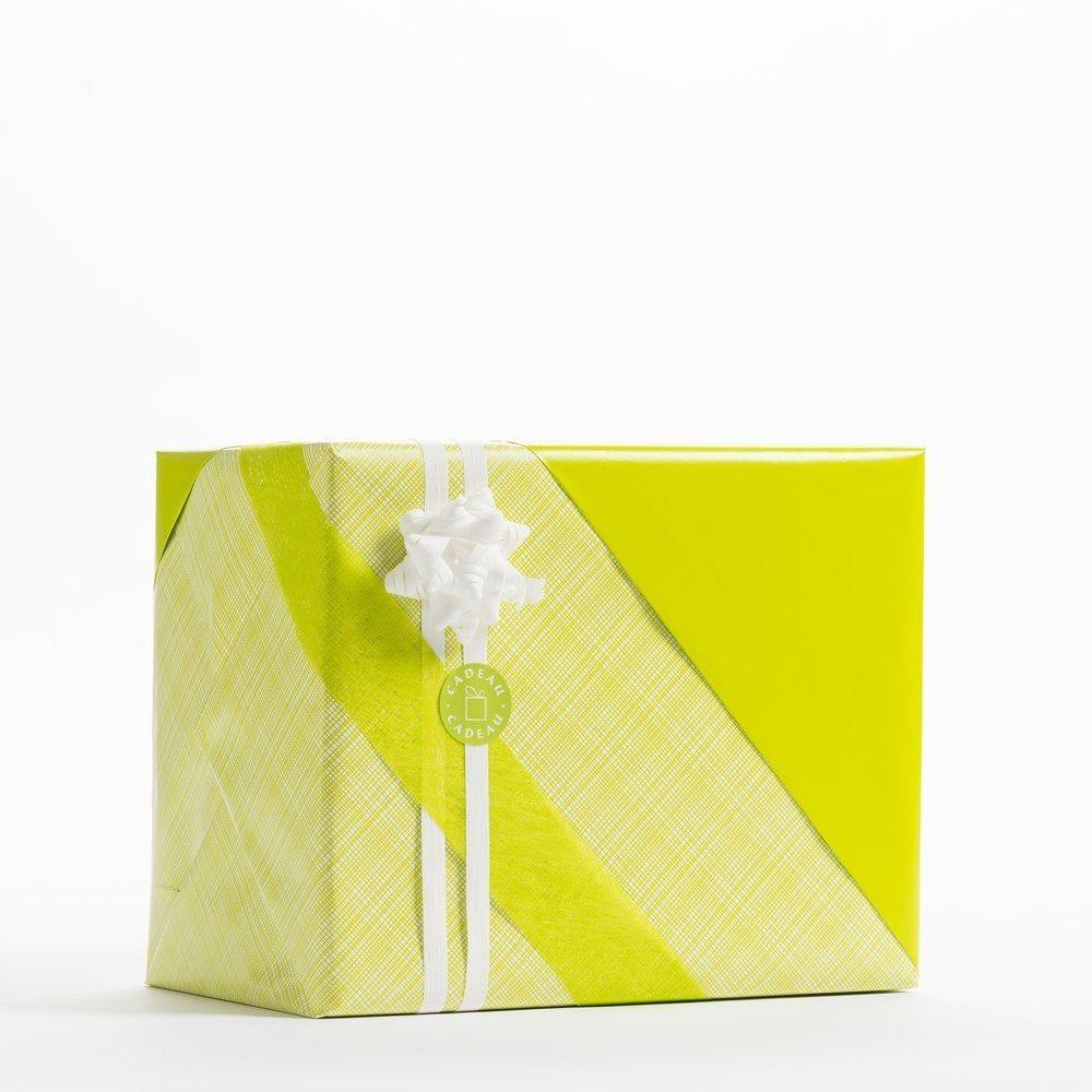 Papier cadeau réversible imprimé carreaux et vert uni  0,70 x 50 m (photo)