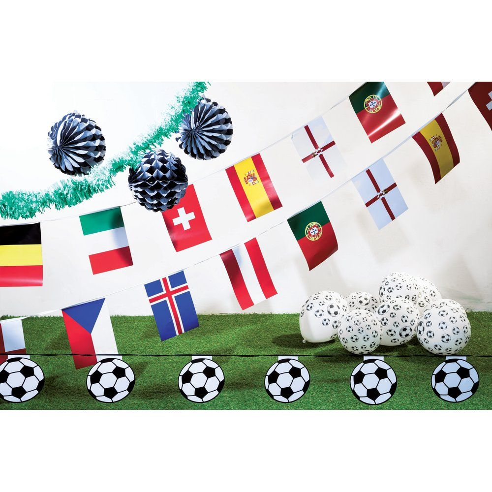 Kit coupe d'Europe de football composé de 17 pièces assorties