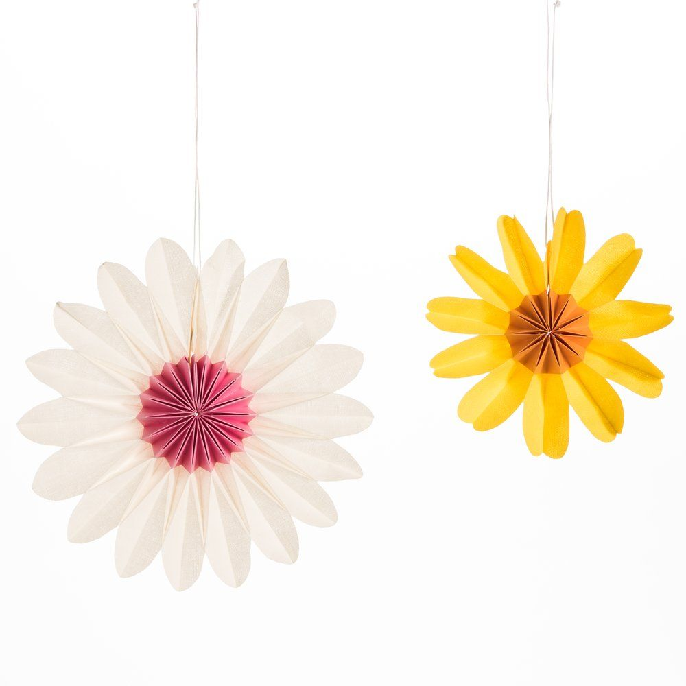 Fleurs en papier jaune et blanche d.18 et d.24cm - set de 2 (photo)
