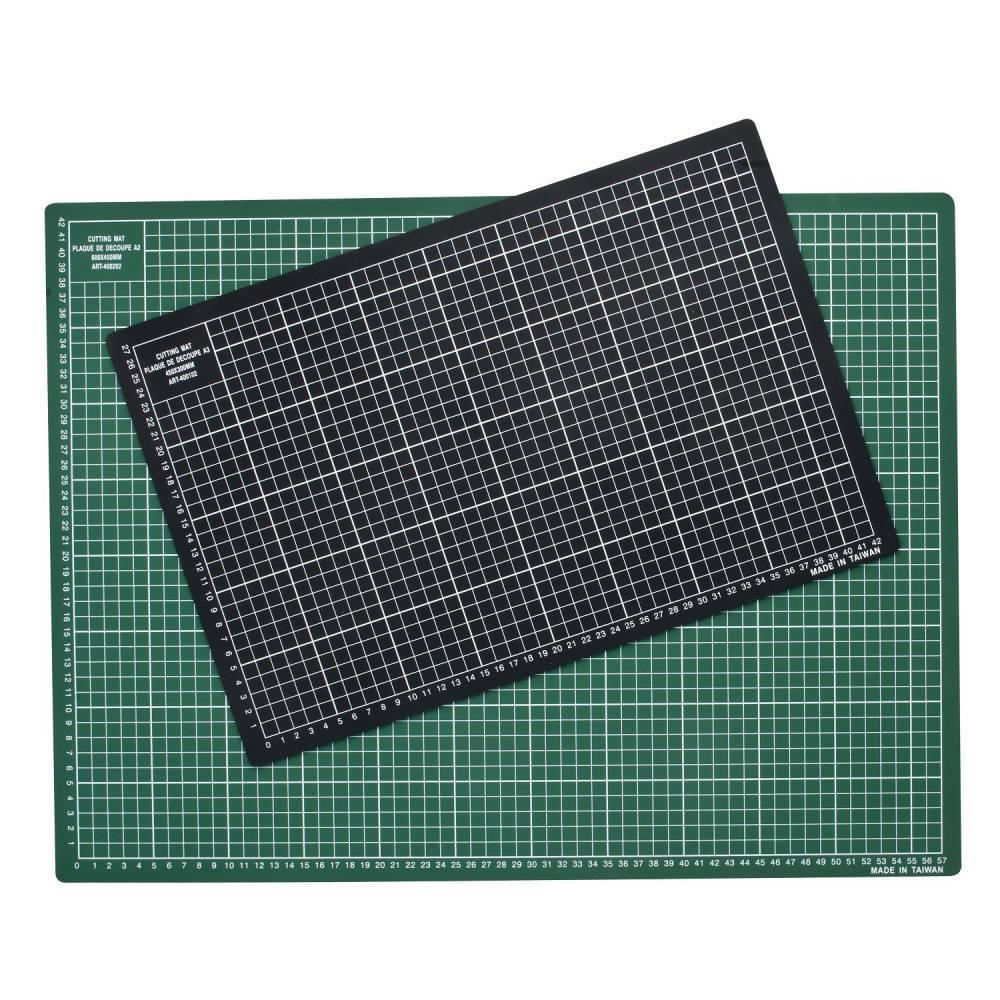 Plaque de découpe qualité supérieure 450x300x3mm vert (photo)