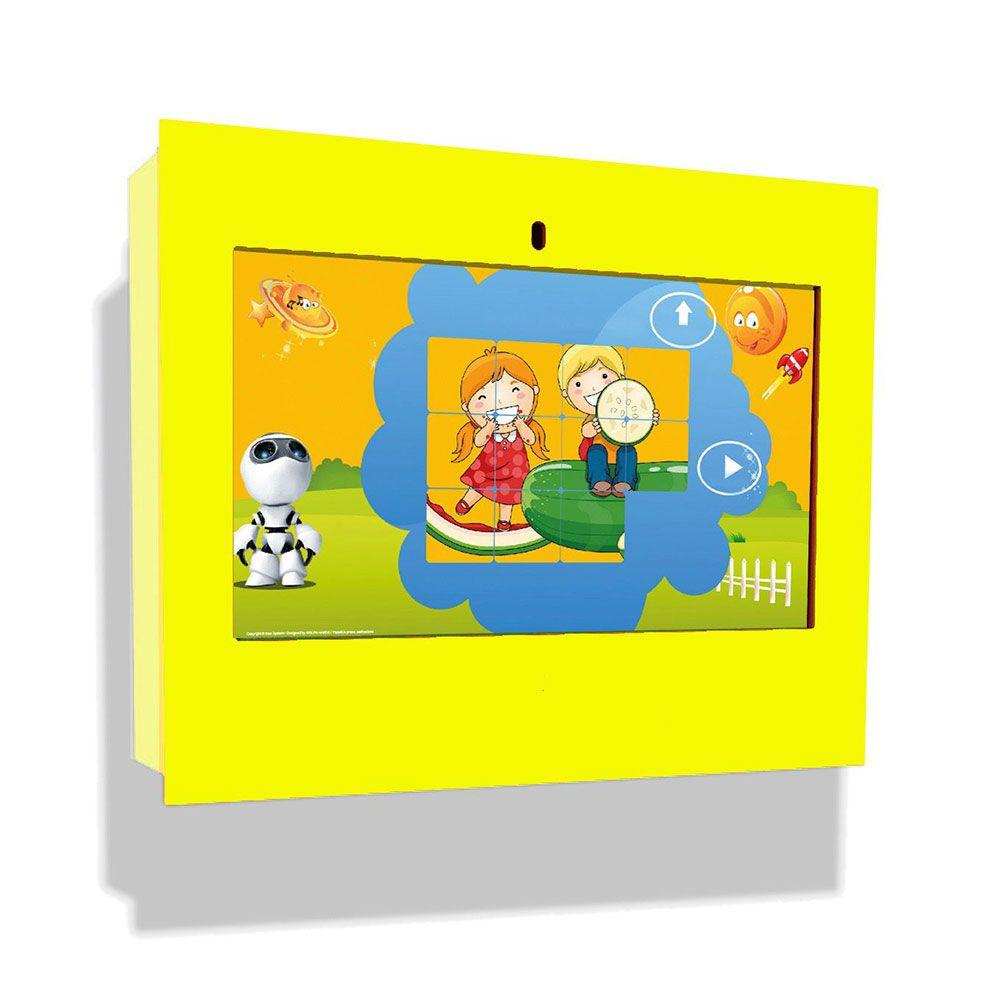Borne intéractive murale box jaune pour les enfants de 3 à 12 ans (photo)
