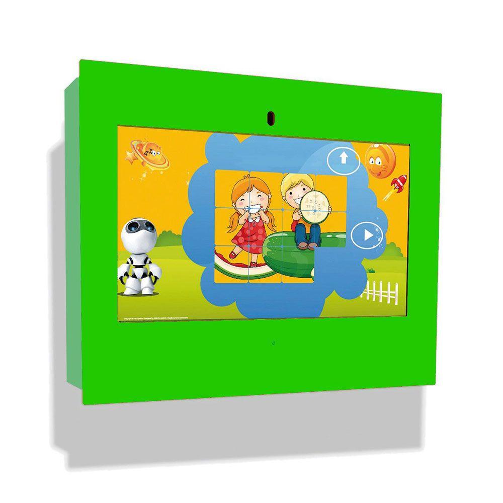 Borne intéractive murale box verte pour les enfants de 3 à 12 ans (photo)