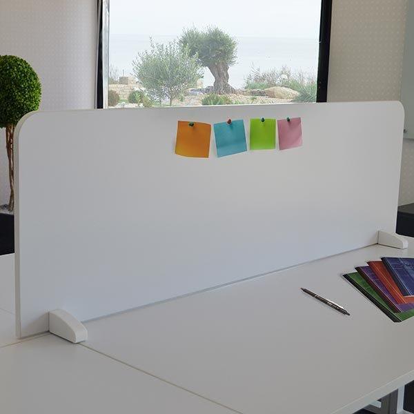 Cloisonnette de séparation blanche à poser sur bureaux bench 140 cm face-face
