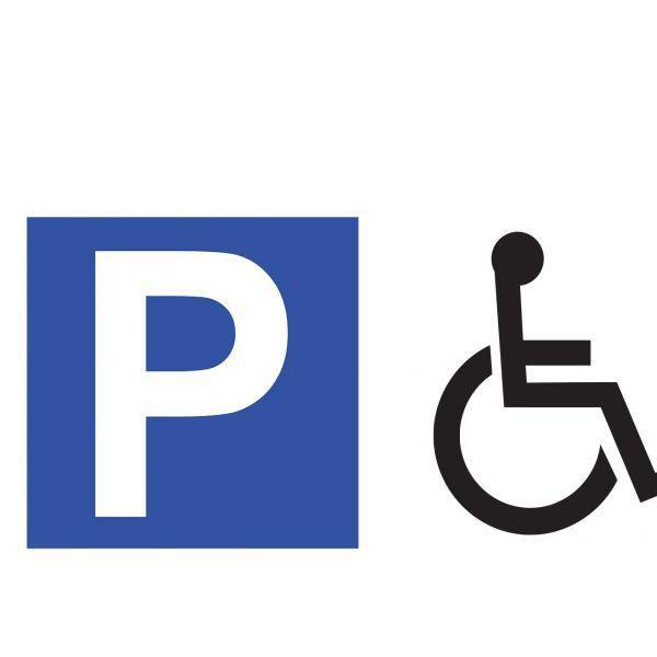 Panneau de parking en aluminium p + symbole handicapé (photo)