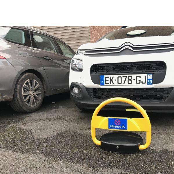 Barrière de parking handipark (photo)