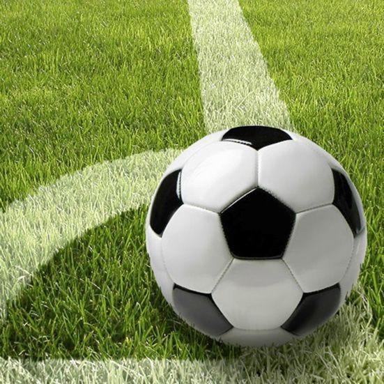 Serviette 3 plis pliage 1/4 33 cm x 33 cm ''Football'' par 200