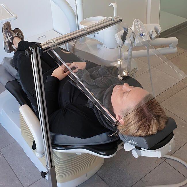 Vitre hygiénique de protection 'Quattro' - Service médicaux - Centre esthétiques
